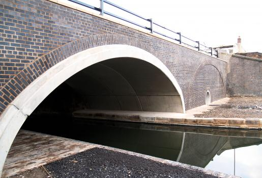 4) The original canal bridges are flattened arches and so the lower sections of the Matière arches are buried in the earth to give the correct height to span ratio with a navigable height of 4.6 metres