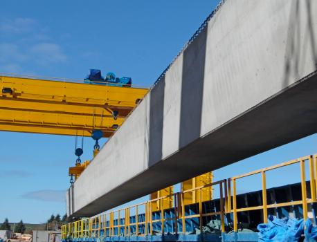 2) The plant is 64 metres long with a 120 tonnes lift capacity, giving ABM the capability to produce the largest bridge beams in the UK