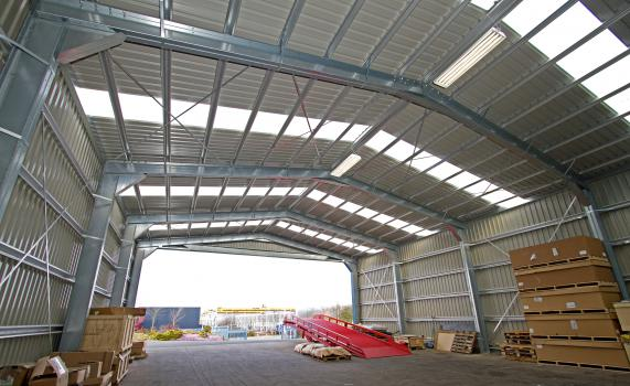 4) Vehicles can be loaded and unloaded under cover, there is more outdoor storage and more space within the main warehouse has been released