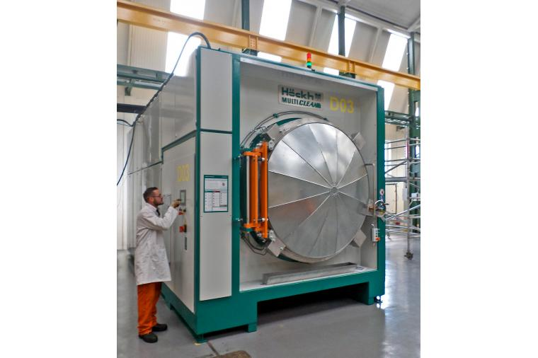 1) The new Hockh degreasing equipment at the Wallwork factory in Birmingham
